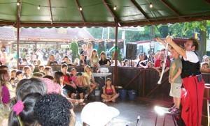 Clown Zappo spielt- Zirkus Schabernack